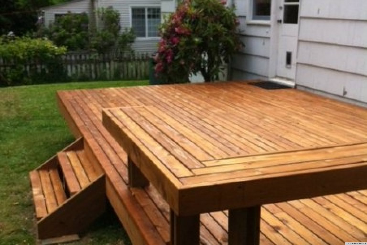 Decks light construction projects winston salem for Small deck seating ideas